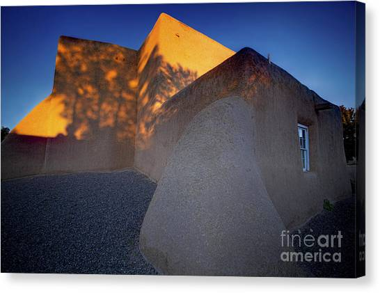 Form And Shadow--san Francisco De Asis - Color Canvas Print