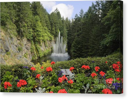 Fountain In Butchart Gardens Canvas Print