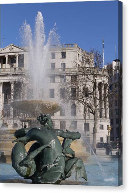 Fountains In Trafalgar Square Canvas Print