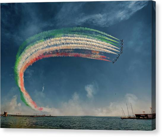 Formation Canvas Print - Frecce Tricolori by J. Antonio Pardo