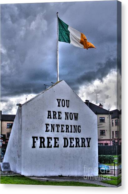 Free Derry Wall Canvas Print
