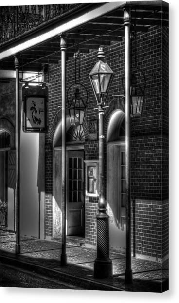 French Quarter Street Lamp In Black And White Canvas Print