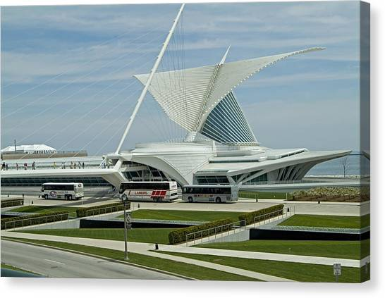 Front View Milwaukee Art Museum Canvas Print by Devinder Sangha