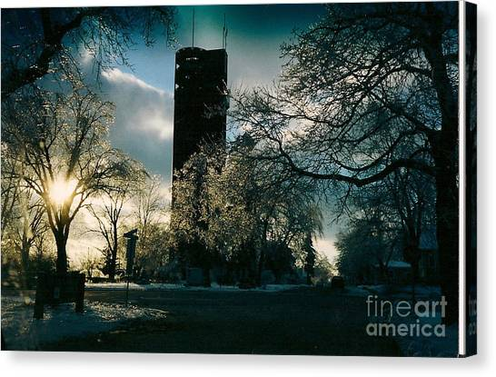 Frosty Sunrise At Tower Park Canvas Print