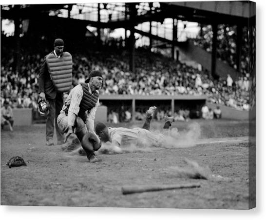 Lou Gehrig Canvas Print - Gehrig Safe At Home by Benjamin Yeager