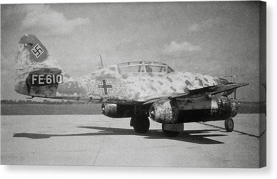 German Me 262 Wwii Jet Fighter Canvas Print by Science Photo Library