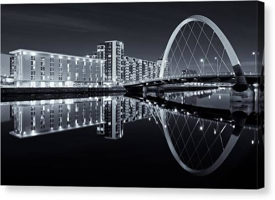 Glasgow In Black And White Canvas Print