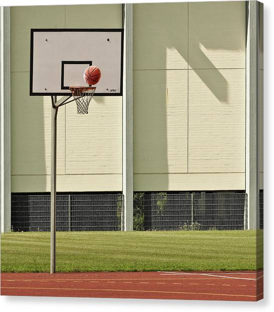 Basket Canvas Print - Goal by Jutta Kerber