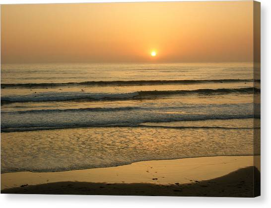 Golden California Sunset - Ocean Waves Sun And Surfers Canvas Print