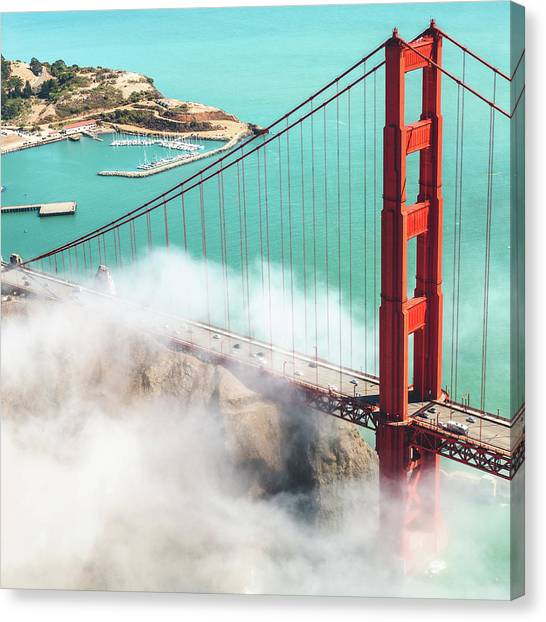 Golden Gate Bridge Canvas Print by Franckreporter