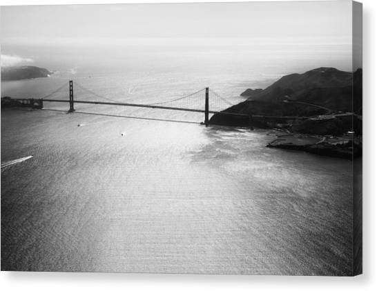 Golden Gate In Black And White Canvas Print