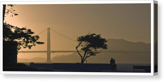 Golden Gate Lovers Canvas Print