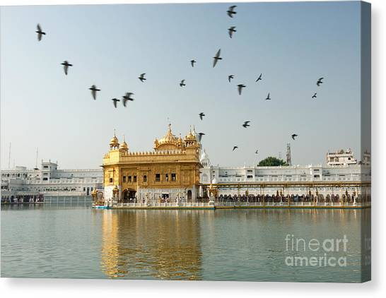Canvas Print featuring the photograph Golden Temple In Amritsar by Yew Kwang