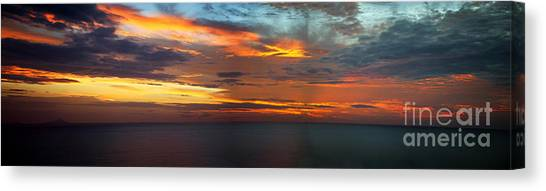 Good Morning Panama Canvas Print