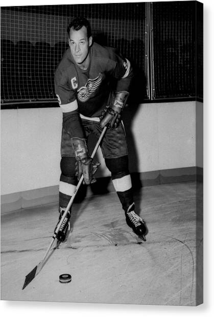 Hockey Players Canvas Print - Gordie Howe Poster by Gianfranco Weiss