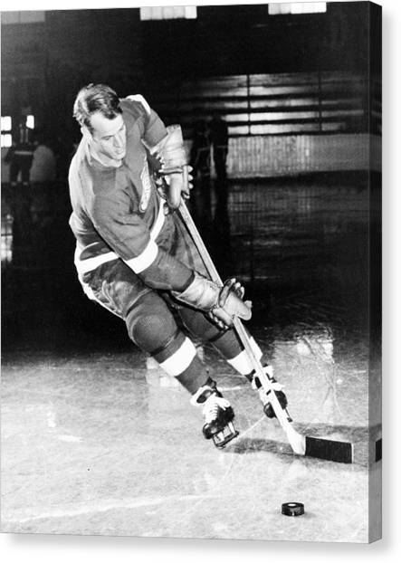 Ice Skating Canvas Print - Gordie Howe Skating With The Puck by Gianfranco Weiss