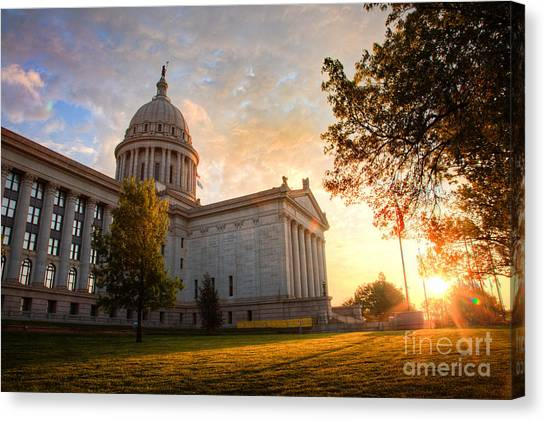 Gov001-6 Canvas Print