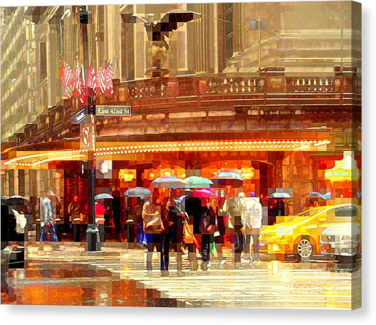 Grand Central Station In The Rain - New York Canvas Print