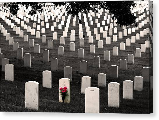 Graves At Arlington National Cemetery Canvas Print