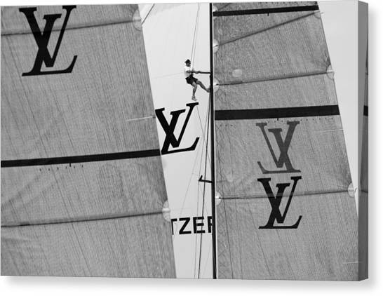 Great View Of Lv Canvas Print by Chris Cameron