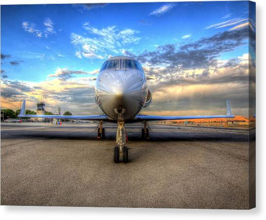 Gulfstream Gx450 At Livermore Klvk With Virga Canvas Print