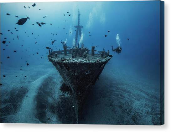 Underwater Canvas Print - Hai Siang Wreck by Barathieu Gabriel