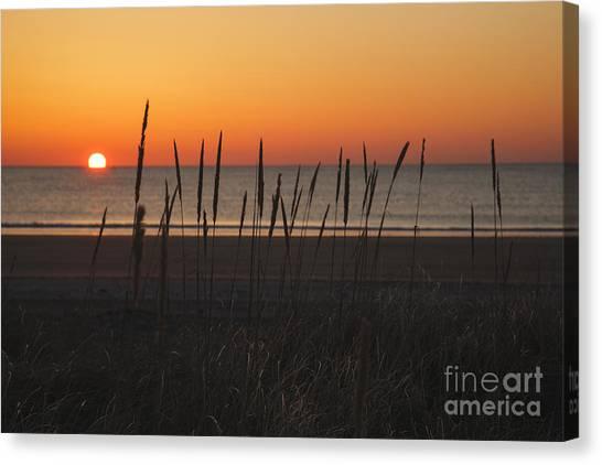 Canvas Print featuring the photograph Hampton Beach State Park - Hampton New Hampshire Usa by Erin Paul Donovan