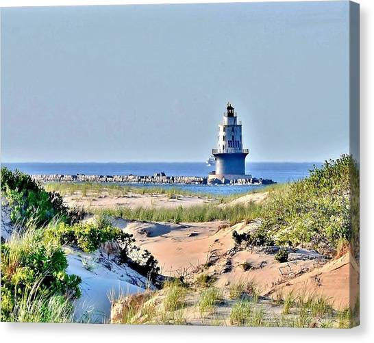 Harbor Of Refuge Lighthouse Canvas Print