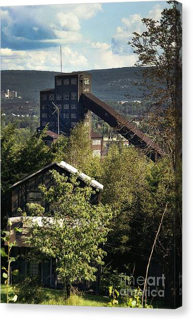 Harry E Colliery Swoyersville Pa Summer 1994 Canvas Print