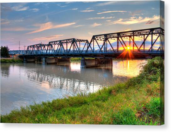 Hdr - Sunset On Lincoln Ave. Bridge  Canvas Print