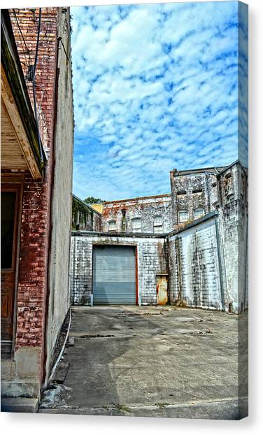 Hdr Alley Canvas Print