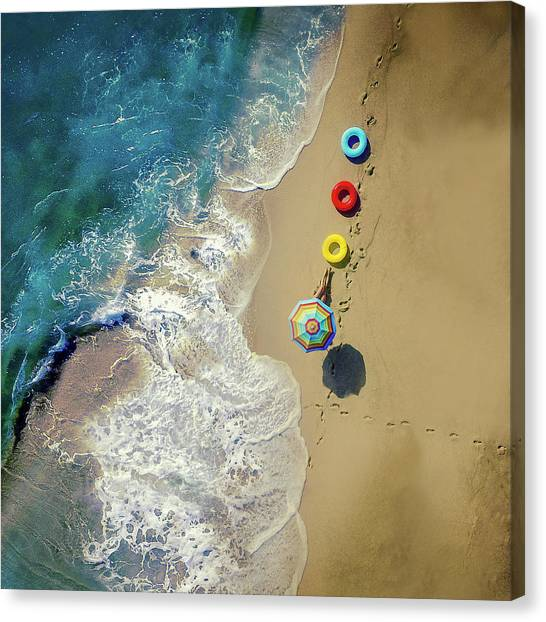 Beach Resort Canvas Print - Hi Summer! by Ambra