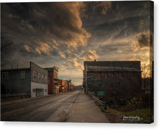 High Street - Glouster Canvas Print