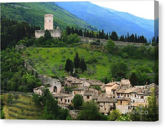 Hillsides Of Assisi Italy Canvas Print