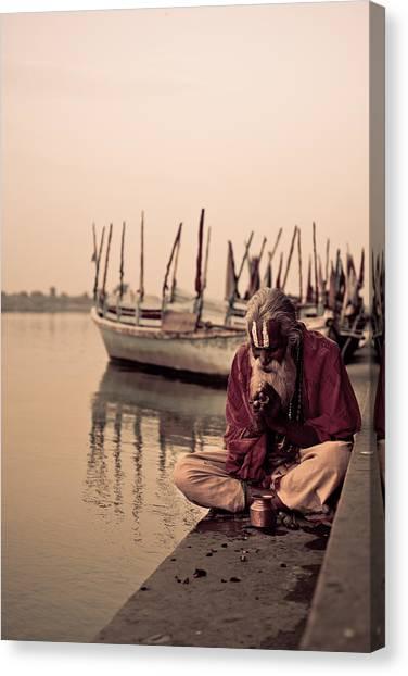 Hindu Priest Offering Prayers Canvas Print