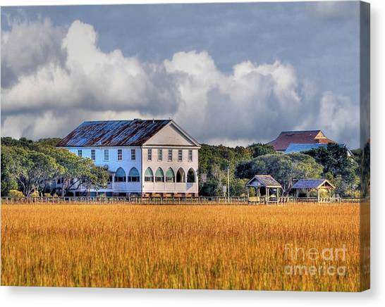 Historic Pelican Inn Canvas Print