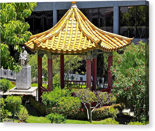 Honolulu Airport Chinese Cultural Garden Canvas Print