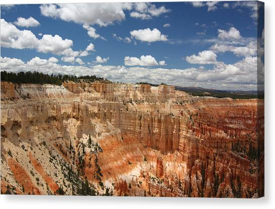 Hoodoos At Bryce Canyon Canvas Print