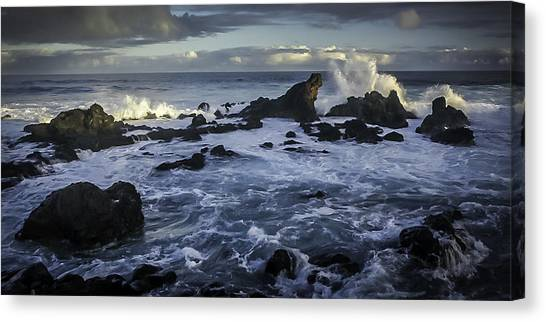 Hookipa Beach Sunrise Canvas Print