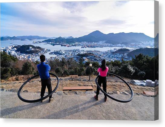 Hoops On The Mountaintop Canvas Print