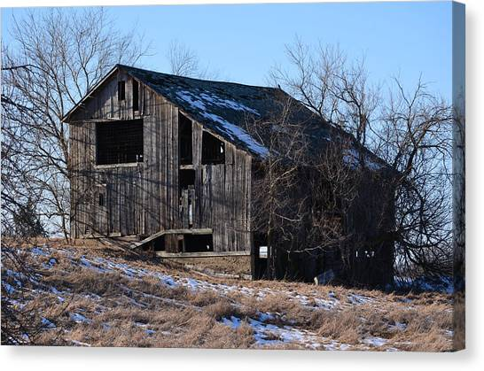 Horning Road Barn2 Canvas Print by Jennifer  King