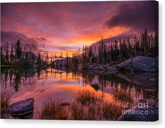 Horseshoe Falls Canvas Print - Horseshoe Lake Infinity Sunrise by Mike Reid