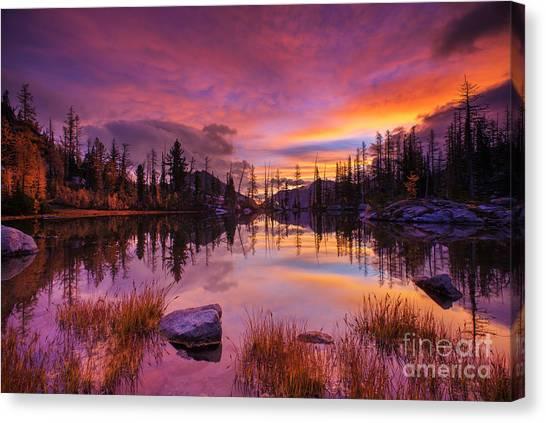 Horseshoe Falls Canvas Print - Horseshoe Lake Sunrise Reflection by Mike Reid