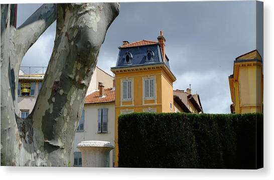 House In Grasse Canvas Print