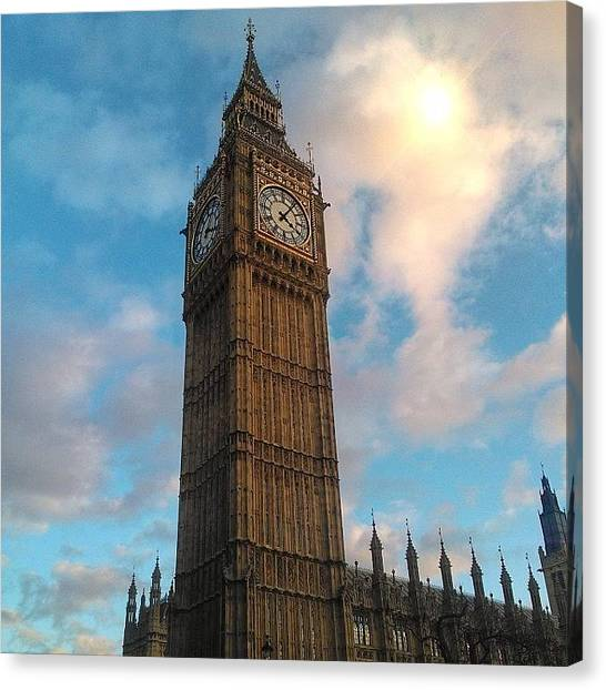 Tea Canvas Print - Houses Of Parliament London by Phil Tomlinson