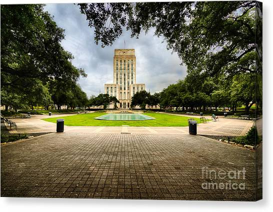 Houston City Hall On A Weekend Morning Canvas Print by Dee Zunker