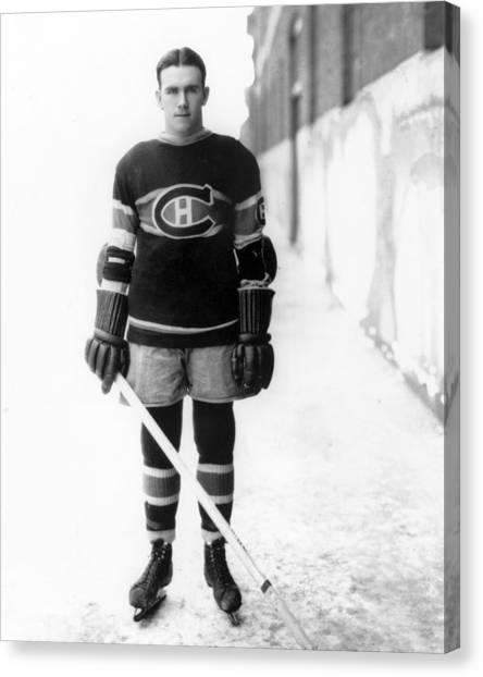 Montreal Canadiens Canvas Print - Howie Morenz Poster by Gianfranco Weiss