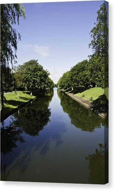 Hythe Military Canal Canvas Print by Lesley Rigg