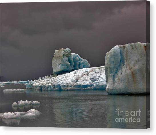 Icebergs Of Leconte Glacier Canvas Print