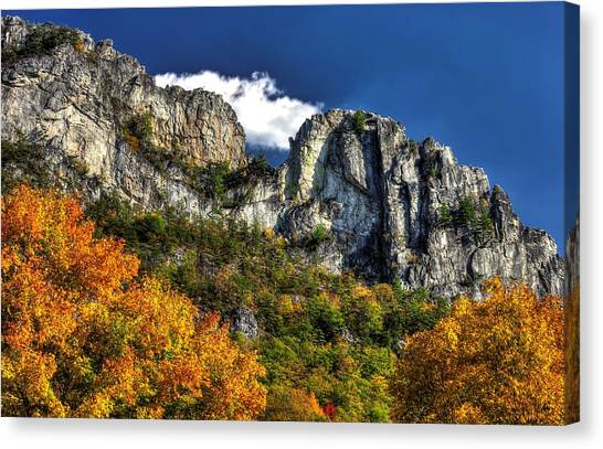 Imposing Seneca Rocks - Seneca Rocks National Recreation Area Wv Autumn Mid-afternoon Canvas Print